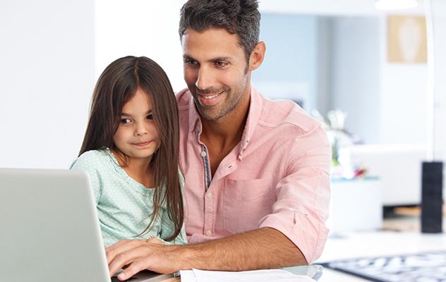 Compartir momentos entre generaciones dentro y fuera de las pantallas